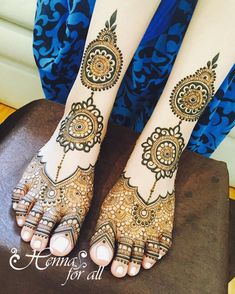 My favorite kind of feet design, classy and elegant, but bride's mom always think that it's too empty who else goes through that? #nychenna #nyhenna #southasianwedding #southasianbride #bridalhenna #punjabibride #punjabiwedding #feethenna #bridalfeet #weddinghenna #weddingmehndi #mehndi #queenshenna #longislandhenna