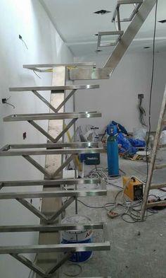 Steel Stair Railing, Staircase Handrail, Steel Stairs, Wood Stairs, House Stairs, Staircase Outdoor, Small Staircase, Floating Staircase, Staircase Design