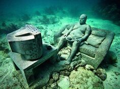 Mexico: Cancun underwater museum adds visitor center What do you think about this photo? The Cancun Underwater Museum, built to draw some of the yearly underwater adventurers away from the Manchones reef, has over 500 sculptures that have been sun Under The Water, Under The Sea, Underwater Sculpture, Underwater Art, Underwater Images, Statues, Sculpture Museum, Sculpture Art, Art Museum