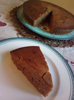 """Il Fondente di farina di castagne è un dolce molto autunnale. eccolo qua, in tutto il suo """"splendore rustico""""."""