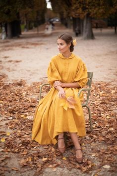 Meg Dress in Mustard with sleeves Linen Dress – Linen Dresses Old Fashion Dresses, Beautiful Outfits, Cute Outfits, Civil War Dress, Vintage Dresses, Victorian Dresses, Victorian Gothic, Gothic Lolita, Dress Cuts