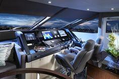 Sunseeker 75 Yacht       main helm station