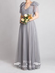 Tulle Convertible Multi-wear Bridesmaid Dress - Comes in many colors and the shoulders are convertible so they don't have to have weird bows - Bridesmaids Gowns With Sleeves, Rustic Bridesmaid Dresses, Tulle Bridesmaid Dress, Bridesmaid Dress Styles, Wedding Dress Chiffon, Chiffon Dress Long, Farewell Dresses, Maid Of Honour Dresses, Wedding Entourage Gowns