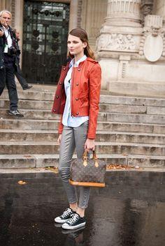 Street Style: Modelos Off Duty. Volumen 1, París  - for more fashion visit http://pinterest.com/franpestel/fashion-rien-que-de-la-mode/