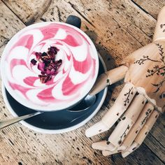 Pretty in PINK! The Rose latte at @aidashoreditch  dreamy with our Wildflower tattoos available on www.paperself.com shop link in bio! #rose #latte #latteart #coffee #coffeelover #pretty #pink