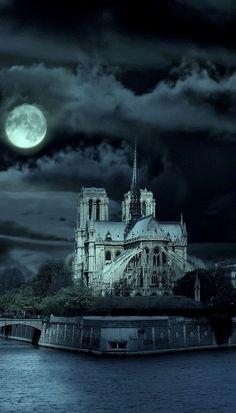 Ghostly and beautiful!  Cathédrale Notre Dame de Paris at Night, France via @Els Piekaar. #NotreDamedeParis #Paris