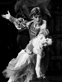 Noëlla Pontois & Mikhail Baryshnikov in Giselle