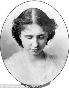 Best Helen Keller Images  Helen Keller Anne Sullivan Historia Because Her Left Eye Protruded Most If Not All Of Helen Kellers Early  Pictures Were Taken