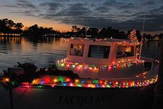 Seven Christmas Light Experiences for Your Holiday To-Do List « Virginia's Travel Blog. Deltaville Boat Parade