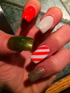 Nails Candy cane sparkly nails Candy Cane Nails, Nail Candy, Candy Cane Crafts, Sparkly Nails, Bright Toe Nails, Bling Nails, Sparkle Nails