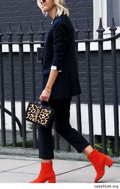 Black outfit with red boots and leo bag - LadyStyle
