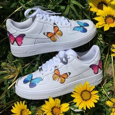 nike air force ones custom butterfly theme all sizes available i offer shipping through offerup Nike Air Force Ones, Nike Shoes Air Force, Air Force 1, Cute Sneakers, Sneakers Mode, Sneakers Fashion, Custom Painted Shoes, Custom Shoes, Zapatillas Nike Air Force