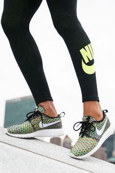 A Zen-inspired design meets athlete-inspired comfort. Knock out your day in brand new kicks. The Nike Roshe Flyknit.