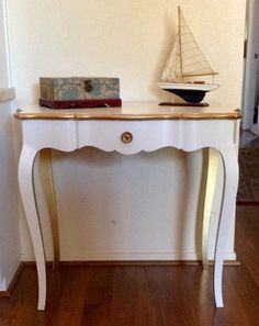White And Gold Trim French Provincial Console, Hallway Table