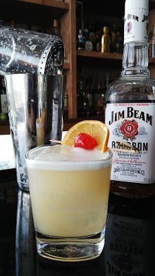 http://ibacocktails.blogspot.mx/2016/01/coctel-whiskey-sour.html