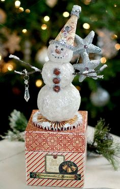 DIY: Snowman Snowy Season Box by designer Linda Albrecht. Christmas Love, Christmas Snowman, All Things Christmas, Winter Christmas, Vintage Christmas, Christmas Ornaments, Christmas Ideas, Merry Christmas, Holiday Crafts