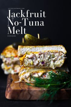 I'm happy to say that this is the best vegan tuna dish I've had yet! The texture is perfect and the taste… come on! This Jackfruit No-Tuna Melt is SO good warm and melty but is just as delicious served as a cold no-tuna salad sandwich. Tuna Melt Sandwich, Tuna Melts, Salad Sandwich, Jackfruit Tuna Salad, Jackfruit Recipes, Vegan Vegetarian, Vegetarian Recipes, Cooking Recipes, Healthy Recipes