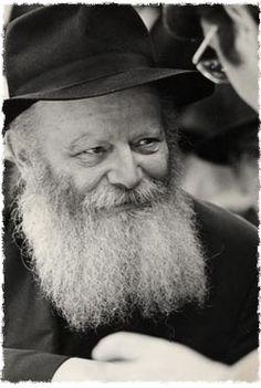 Rabbi Menachem Mendel Schneerson - Google Image Result for http://w3.chabad.org/media/images/134/PLDl1349436.jpg