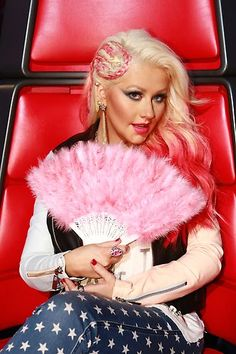 Christina Aguilera rocking a fierce hair braid during the first night of Live #Playoffs. #TeamXtina