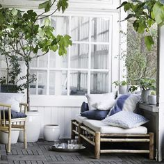cosy outdoor / jolie terrasse i like how part of it is glassed in and the other part is open porch Outdoor Rooms, Outdoor Living, Outdoor Paint, Outdoor Sofa, Indoor Outdoor, Outdoor Decor, Small Woodworking Projects, Bamboo Furniture, Dream Decor