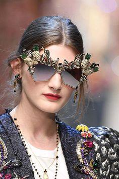 Dolce & Gabbana, Spring 2017, Milan, firstVIEW.com
