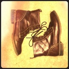 Brown boots Worn like once. Barley fit me so selling! Feel free to make an offer:) Forever 21 Shoes Combat & Moto Boots