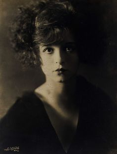 Clara Bow, 'Down to the Sea in Ships' (photo credit illegible] the film that kick started her career. Hollywood Glamour, Vintage Hollywood, Classic Hollywood, Hollywood Cinema, Hollywood Stars, Divas, Belle Epoque, Clara Bow, Silent Film Stars