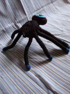 araña negra cíclope 30cm