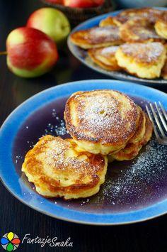 Drożdżowe jaglane placki z jabłkiem http://fantazjesmaku.weebly.com/blog-kulinarny/drozdzowe-jaglane-placki-z-jablkiem
