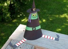 10 Halloween Crafts for Kids (tickle ghost would be fun and easy to do while on vacation!) More