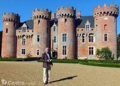 Jean de La Raudière raconte avec passion l'histoire du château de Villebon. More here: http://www.chateauvillebon28.com/index.html