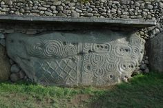 Near the east coast of Drogheda, about 30 miles north of the Irish capital city, Dublin, lie the remains of a vast prehistoric monumental landscape. Newgrange and its sister sites at the Brú na Bóinne– advanced lunar calculations and observation of the effects of precession of equinoxes in Neolithic Ireland - Part 1