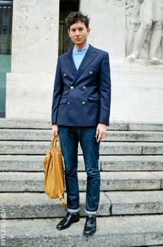 Double breasted and jeans Mens Style Guide, Men Style Tips, Lean Men, Coat Shoes, Mens Fashion Blog, Men's Fashion, Most Stylish Men, Double Breasted Jacket, Suit And Tie