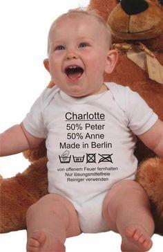 Der Babybody besteht zu 100 % aus hautverträglicher Baumwolle. Der Body für das Baby ist in den Farben weiß, rosa und hellblau erhältlich. Die ange...