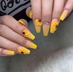 37 short and long acrylic nail art designs for summer 9 | updowny.com #AcrylicNailsForSummer Summer Acrylic Nails, Acrylic Nail Art, Summer Nails, Romantic Nails, Sunflower Nails, Christmas Manicure, Unicorn Nails, French Tip Nails, Nail Art Stickers