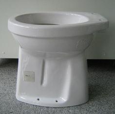 SPHINX Erhöhtes Behinderten-WC 45 cm 50 cm ABGANG ZUM BODEN AO innen senkrecht