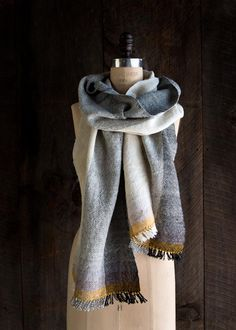 Simple but lovely woven scarf. Free pattern.