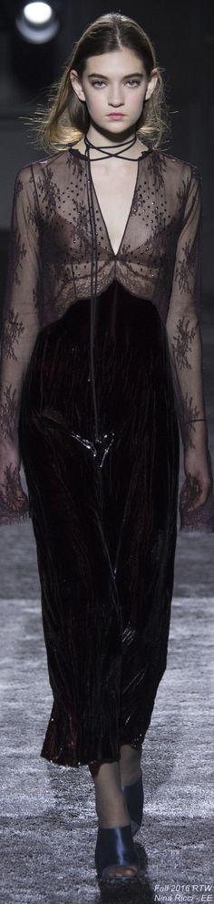 Fall 2016 Ready-to-Wear Nina Ricci - EE