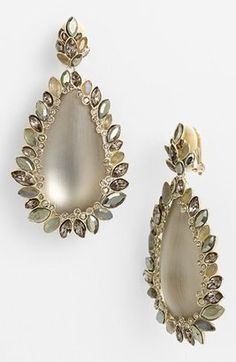 Queen of statement jewelry, Alexis Bittar, at it again with this pair of statement earrings. #Bittar #grey #boho #earrings #statement