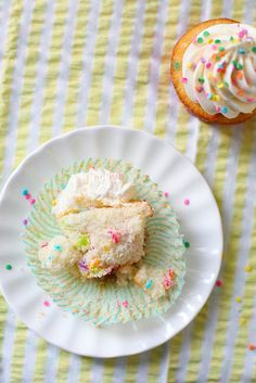 These look yummy and have good reviews by people who actually baked them.  So I'm going to bake them today for the kids to take to school.