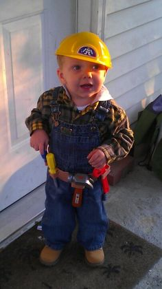 Bob the Builder costume. Thank you Pinterest for the idea! I absolutely love this costume!