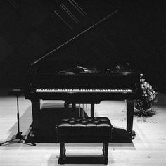 Yamaha. Piano, by Walkingpastel
