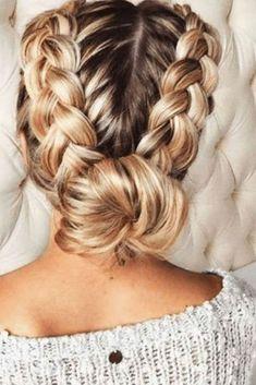 55 trendy hairstyles for parties - Sévane - - 55 coiffures branchées pour les fêtes The double braid bun - French Braid Hairstyles, Trendy Hairstyles, Braided Hairstyles For Long Hair, European Hairstyles, American Hairstyles, French Braid To Bun, Types Of Hairstyles, Hairstyles For A Party, Semi Formal Hairstyles