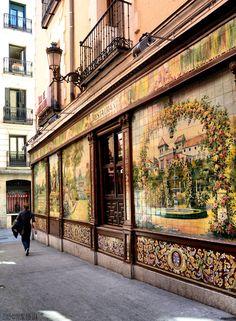 "Restaurante Villa Rosa, no centro de #Madrid, ""Tablao de flamenco"" na Plaza de Santa Ana"