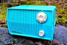 BLUETOOTH MP3 READY - DEFINITELY TURQUOISE Mid Century Retro Jetsons Vintage 1959 Emerson Model 4L2A Tube Radio Totally Restored!