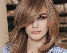 Risultati immagini per capelli con ciuffo donna