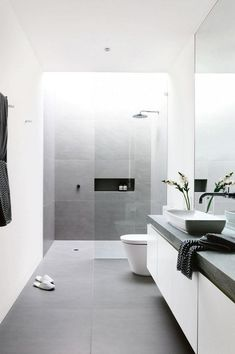 Designer tips from 4 bathroom renovations. From the May issue 2016 of Inside Out m . # output - Designer tips from 4 bathroom renovations. From the May 2016 issue of Inside Out … - Minimalist Bathroom Design, Modern Master Bathroom, Modern Bathroom Design, Bathroom Interior Design, White Bathroom, Modern Bathrooms, Bathroom Small, Bath Design, Cozy Bathroom