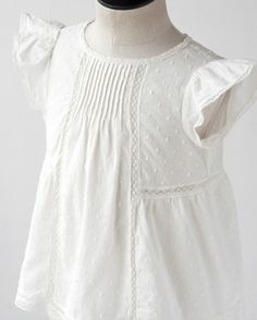 Justine's Bonpoint blouse Frocks For Girls, Girls Dresses, Little Girl Outfits, Kids Outfits, Kids Western Wear, Baby Dress Design, Toddler Girl Style, Dress Tutorials, Kids Fashion