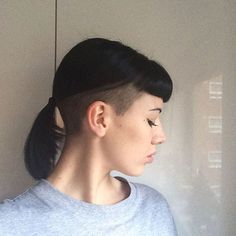 Icy Short Pixie Cut - 60 Cute Short Pixie Haircuts – Femininity and Practicality - The Trending Hairstyle Sleek Hairstyles, Undercut Hairstyles, Hairstyles With Bangs, Undercut Ponytail, Undercut Long Hair, Undercut Bob, Hair Inspo, Hair Inspiration, Buzzed Hair