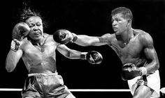 In 1951 Sugar Ray Robinson was the middle weight boxing champion. He was considered pound-for-pound which made him the greatest boxer at the time. Sugar Ray Robinson, Boxing Images, Boxing Posters, Boxing History, Boxing Champions, New York Daily News, Sport Icon, Sports Figures, African Americans